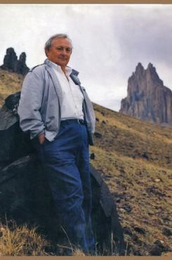Picture of Tony Hillerman