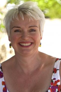 Catriona McPherson author photo